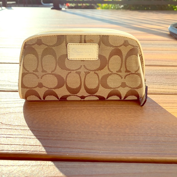 Coach Handbags - Coach makeup bag